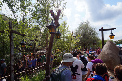 Even the most popular rides have a shorter wait time right after park opening and just before closing.