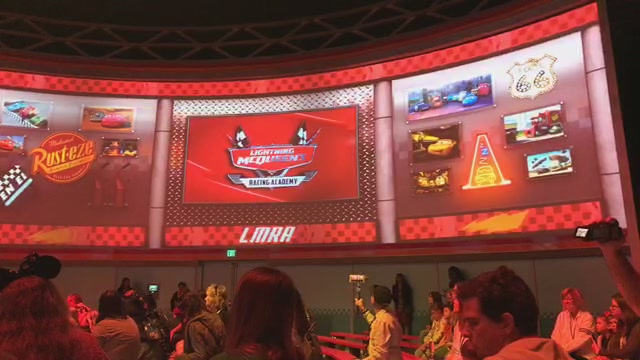 Live Video Let S Experience Lightning Mcqueen Racing Academy At Disney S Hollywood Studios World Of Walt