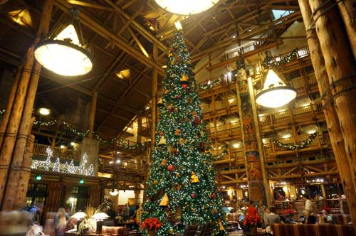 The tree is huge, but there are still plenty of seats available in the lobby.