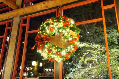 You will find plenty of beautifully illuminated wreaths and garland around the resort.