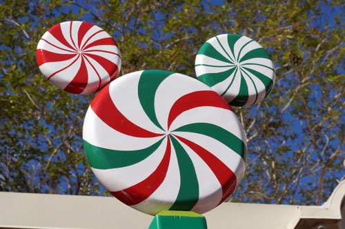 Not-so-hidden Mickey in Candy Cane Garden.