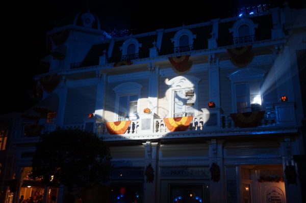 Ghosts on the Main Street USA buildings? Yup! Very cool.