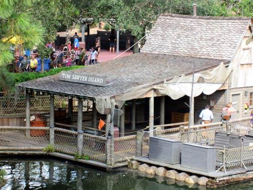Take a break on Tom Sawyer Island.