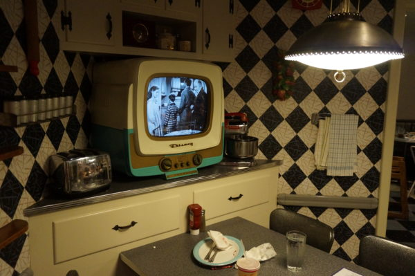 50s Prime Time Cafe takes you back in time to the 1950s!