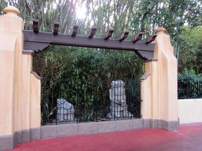 This new area with two statues is near Pirates Of The Caribbean.