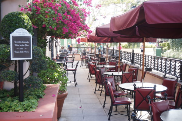 The Hollywood Brown Derby is beautiful inside and outside. These outdoor tables are part of the lounge.