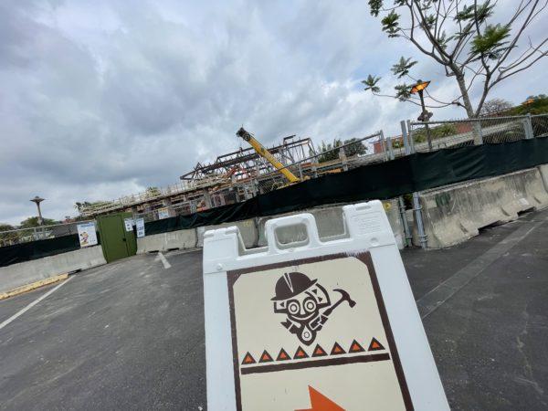 The resort's Tiki mascot is hard at work!