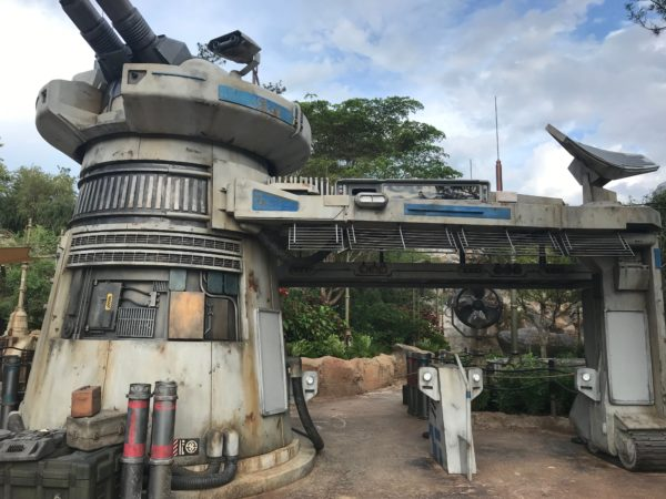 Star Wars: Rise of the Resistance queue entrance