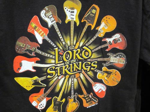 T-shirt: Lord of the strings.