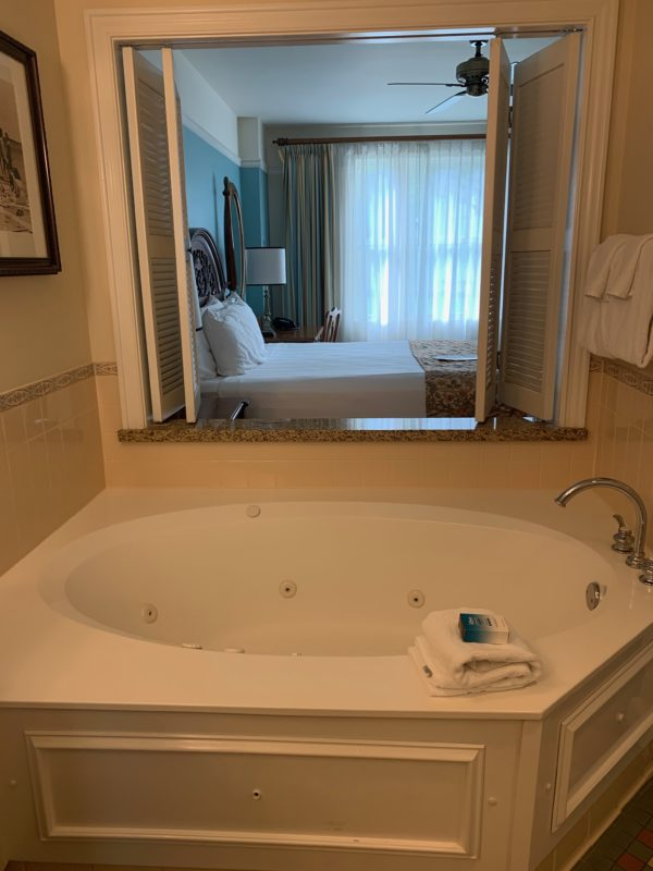 The master bedroom has a jacuzzi tub!