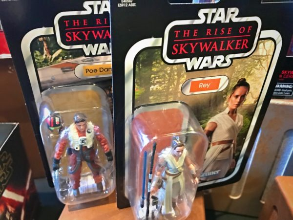 Rey and Poe action figures.
