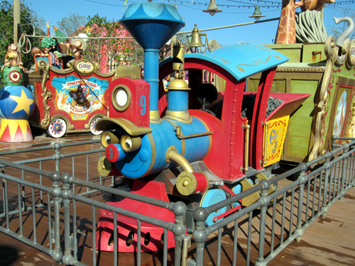 All aboard! The WDW Railroad now stops in Fantasyland!