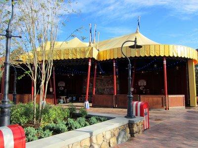 Storybook Circus FastPass Distribution