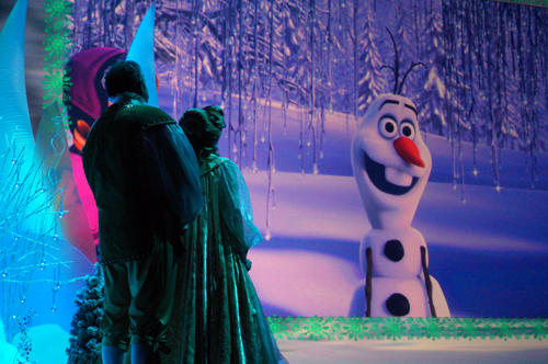 Hollywood Studios is home to Frozen... and Olaf!