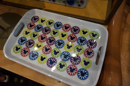 Ths tray is perfect for carrying your meal to your table.