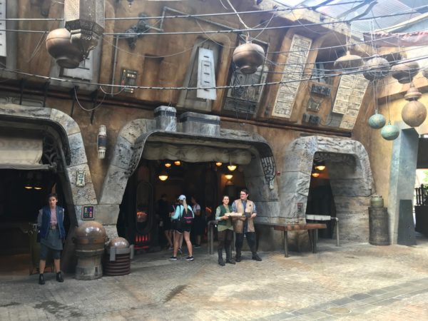 A look at the Cast Members of Galaxy's Edge