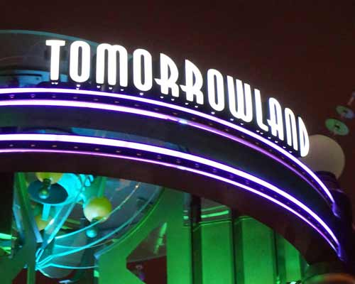tomorrowland-party-post-2015-09