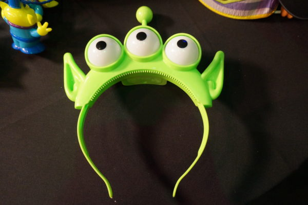 Alien headband, oooo.