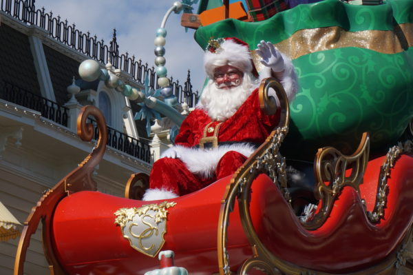 Santa has arrived in Disney Springs, and now you can meet him without waiting in line!