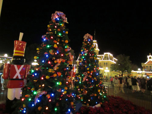 Disney's Christmas decorations are beautiful.