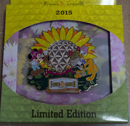 The 2015 jumbo pin is beautiful and features Minnie Mouse, Daisy, and Pluto.