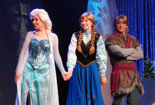 Win a Frozen karoke party pack.