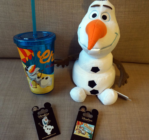 A complete Olaf prize pack!