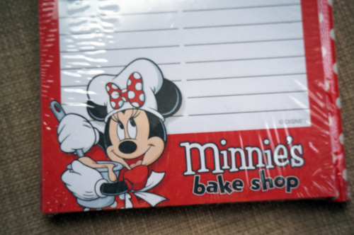 Minnie Mouse notepad.